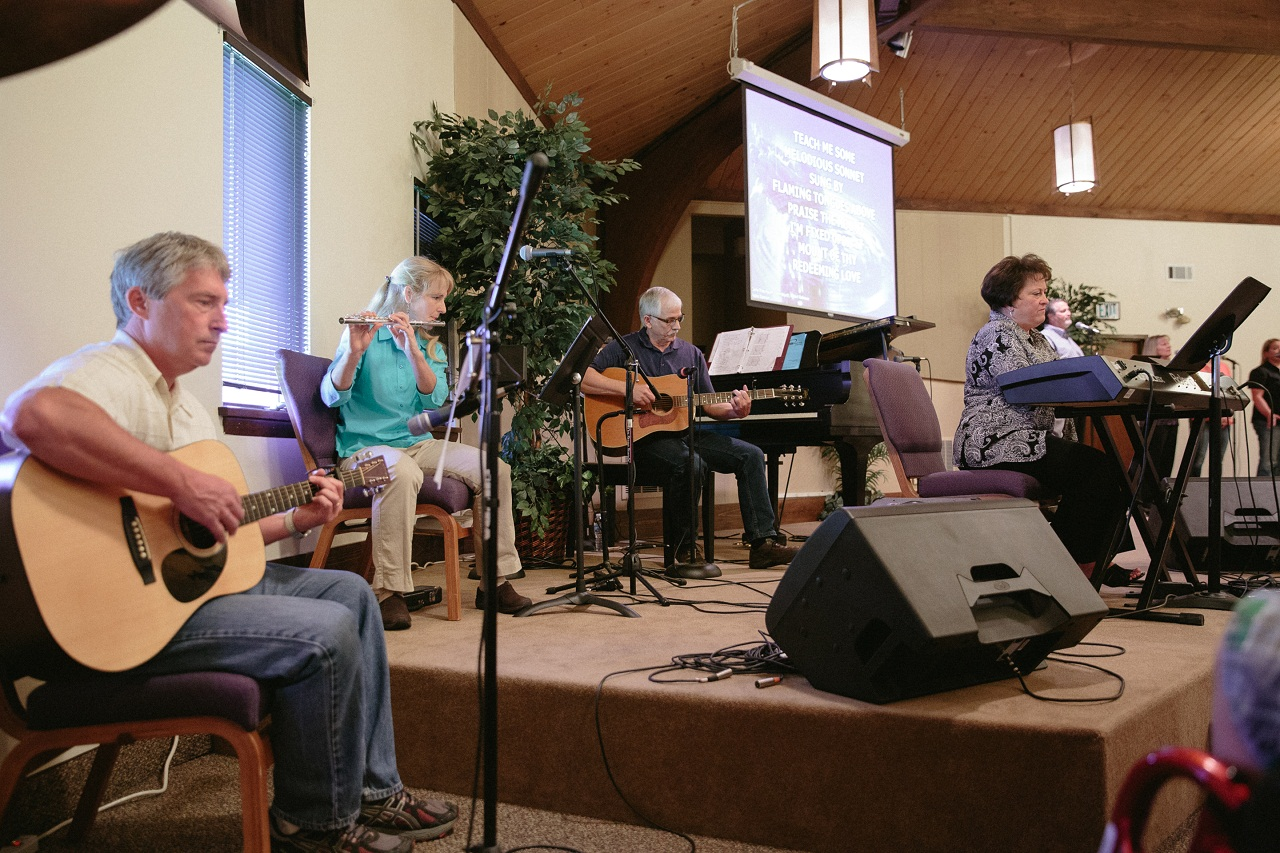 WorshipTeam-Brian-April-Steve-Carolyn-Oasis